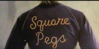"""Devo e John Densmore (Doors) em """"Square pegs"""""""