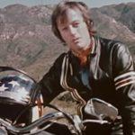 Peter Fonda ensinando você a dirigir motos com segurança