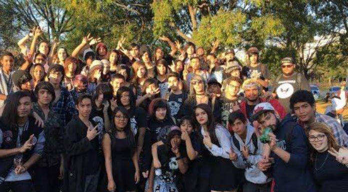 Turma do emo reúne-se em Jundiaí no penúltimo dia de 2017