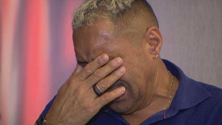 Tiririca chorou e falou de preconceito no Conexão Repórter