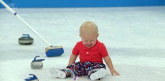 Bebês disputando os Jogos Olímpicos de Inverno