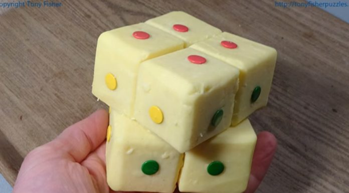 Fizeram um cubo mágico de... queijo cheddar