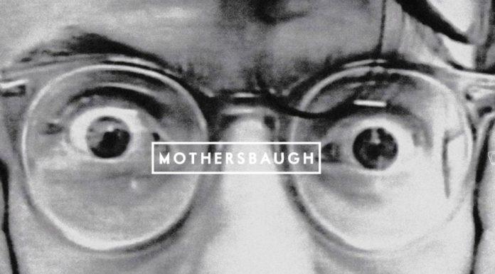 Mark Mothersbaugh (Devo) lança marca de óculos