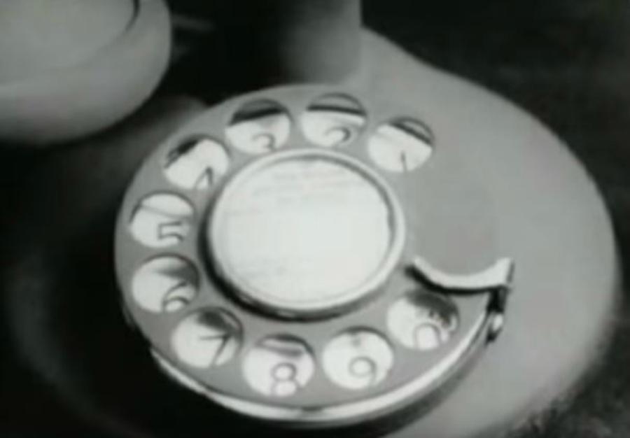 Como usar o telefone de disco, num filme de 1927