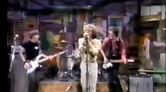 R.E.M. estreando na TV no programa de David Letterman