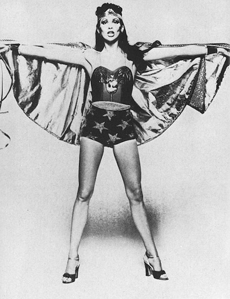 Quando Angie Bowie quase foi a Mulher Maravilha