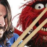 Aquela vez que Dave Grohl deu lição de bateria
