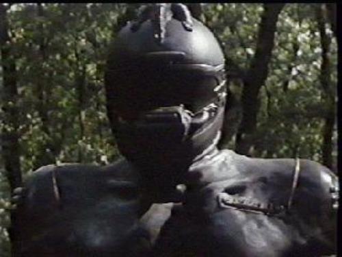 """""""Robowar"""": aquela vez em que um diretor italiano copiou """"Predador"""""""