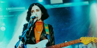 """Aumenta o som! - Pale Waves, """"There's a honey"""""""