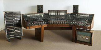 """A máquina que o Pink Floyd usou para gravar """"The dark side of the moon"""" vai a leilão"""
