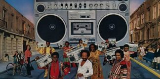 Earth, Wind & Fire ajudando a vender som da Panasonic em 1980