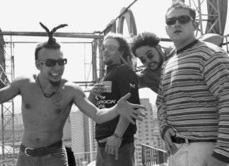 """Raimundos e a """"dança do Seu Vavá"""" no Gugu, em 1996"""