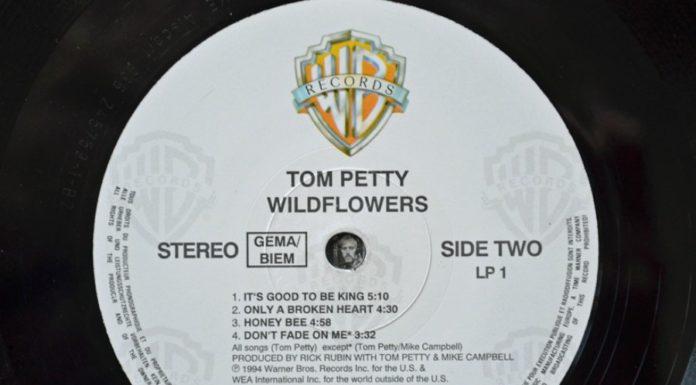 O selo do LP original de Wildflowers, de Tom Petty