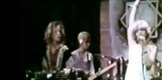 Courtney Love no Faith No More em 1983