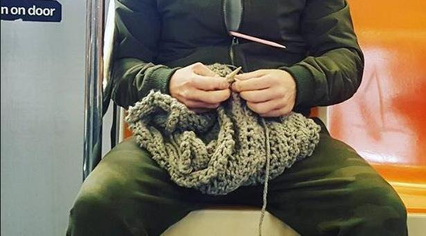 Ele tricotou e a vida dele mudou