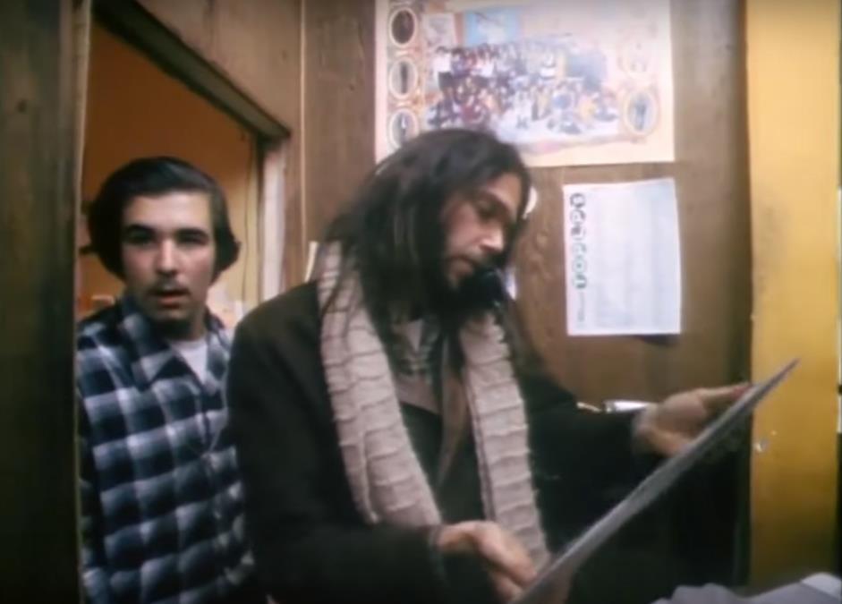 Quando Neil Young achou discos piratas seus numa loja