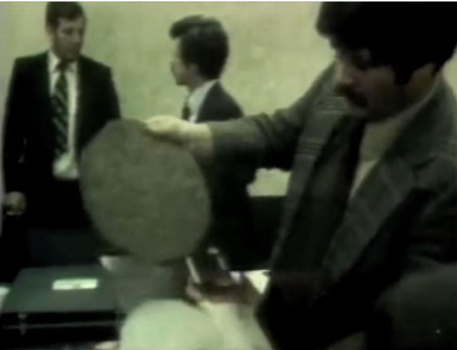 Aquele dia em que mandaram prensar maconha no formato de discos de vinil