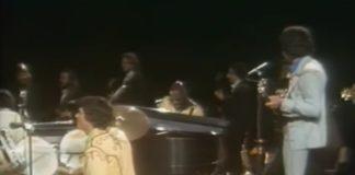 Osmonds e Isaac Hayes tocando Feelin' alright