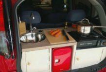 Um cara transformou o porta-malas de seu carro numa pequena cozinha