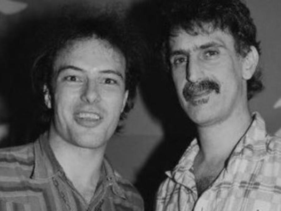 Jello Biafra e Frank Zappa: parabéns por você existir, amigo!