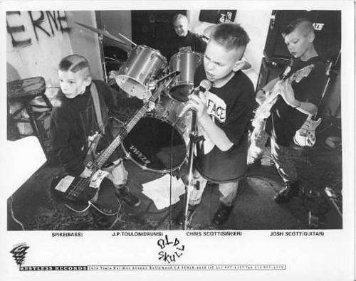 Old Skull: punk para crianças nos anos 1980