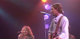 O R.E.M. em 1984 recebendo John B. Sebastian e Roger McGuinn