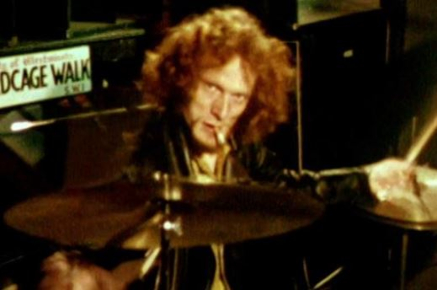 Jogaram Ginger Baker in Africa no YouTube