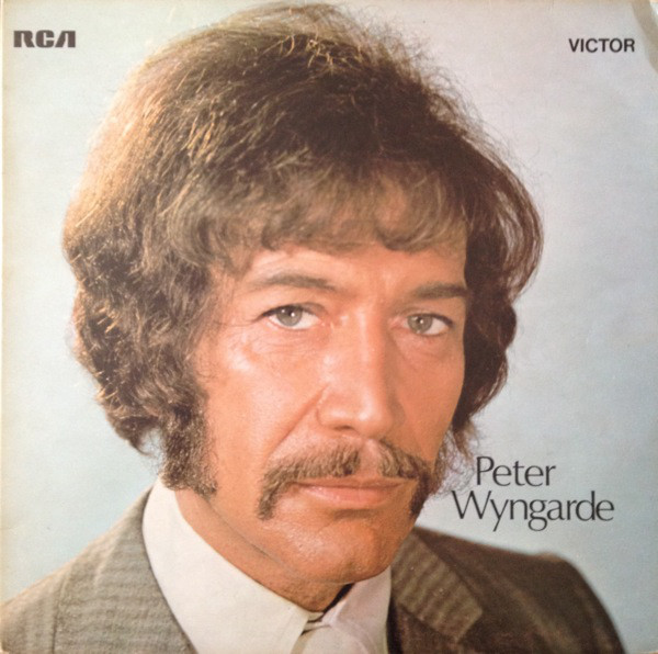 O som MUITO estranho de Peter Wyngarde