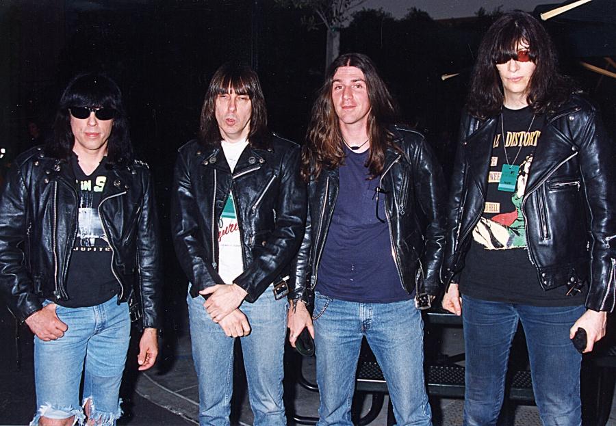 Lembra quando os Ramones fizeram três jingles para uma marca de cerveja?