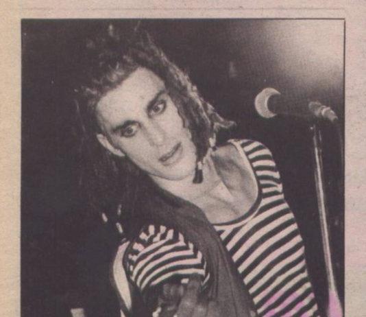 Aquela vez em que Perry Farrell deu o telefone e o e-mail de David Bowie para desconhecidos