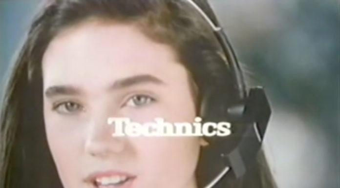 Jennifer Connely, em 1986, fazendo sucesso como cantora no Japão (?)