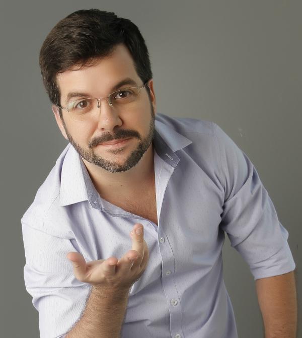 Saiu um livro mostrando como as mudanças políticas e sociais mudaram as novelas no Brasil