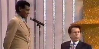 """Wilson Simonal fazendo Silvio Santos cantar """"Meu limão, meu limoeiro"""", em 1993"""