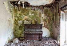 Um cara já fotografou 124 pianos abandonados em construções