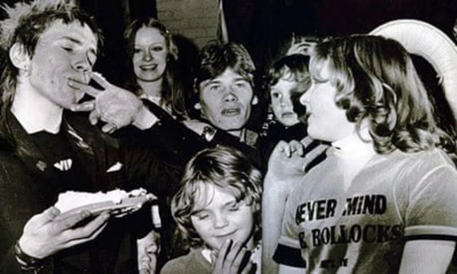 Never Mind The Baubles: Sex Pistols para crianças em 1977