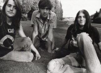 Nirvana em 1988 num show especial da Sub Pop, apresentando o futuro hit School