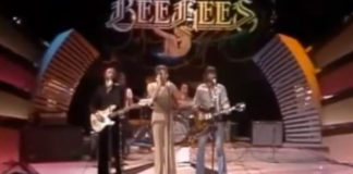 Bee Gees canta... Plush, dos Stone Temple Pilots?