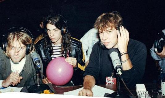 """Nevermind, it's an interview"": jogaram no YouTube o único disco oficial de entrevistas do Nirvana"