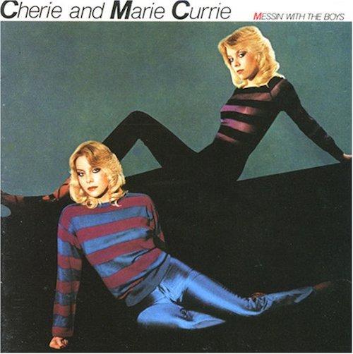 Cherie Currie (Runaways) em dupla com a irmã gêmea Marie, em 1980