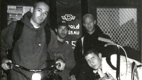 """Só vimos agora: tem disco de hardcore dos Beastie Boys nas plataformas, """"Aglio e olio"""""""