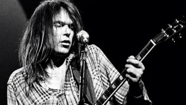 Neil Young e o Hambúrguer de Ouro