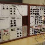 Quando o LSD escondido num sintetizador por 50 anos fez um técnico viajar por nove horas