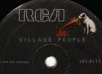 Uma cover bem triste de Y.M.C.A., do Village People