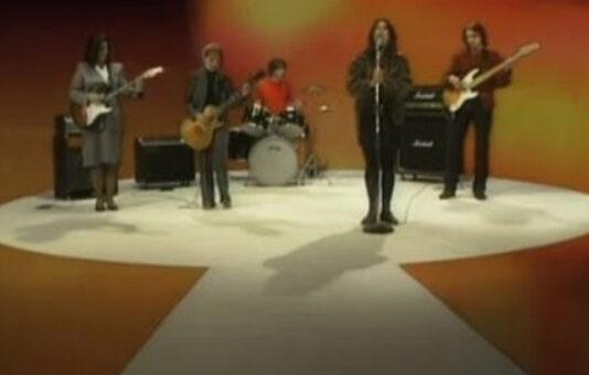 Quando as Breeders se inspiraram no Black Sabbath