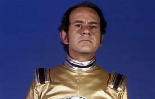 Super Bronco: série inacreditável com Ronald Golias (!) fazendo um alien