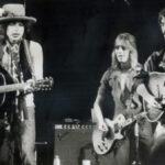 Quando Mick Ronson foi tocar com Bob Dylan