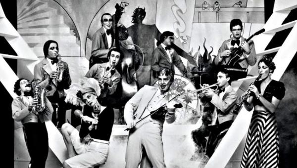 "The Mystic Knights of the Oingo Boingo: a banda de ""Stay"" em fase malucona"