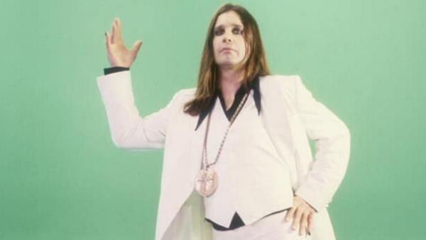 Bee Gees nas vozes de Ozzy Osbourne e Dweezil Zappa