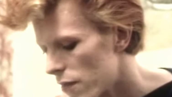 David Bowie copiando e colando