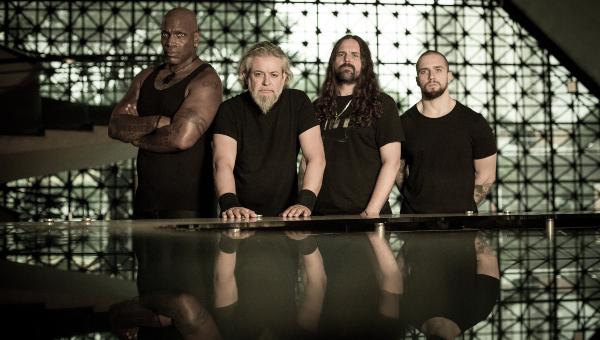 """Sepultura: """"Nosso disco novo não é nem ao vivo, nem de estúdio"""""""